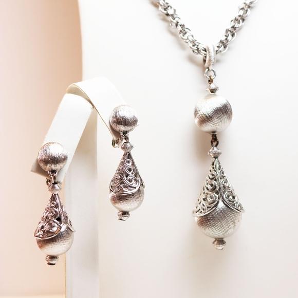 Monet Jewelry - VINTAGE 1961 MONET BOLERO SILVER NECKLACE